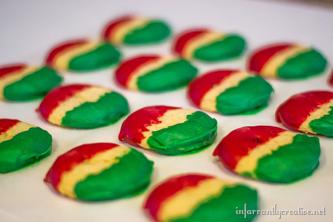 Red and Green Wilton Candy Melt Christmas Cookie Recipe