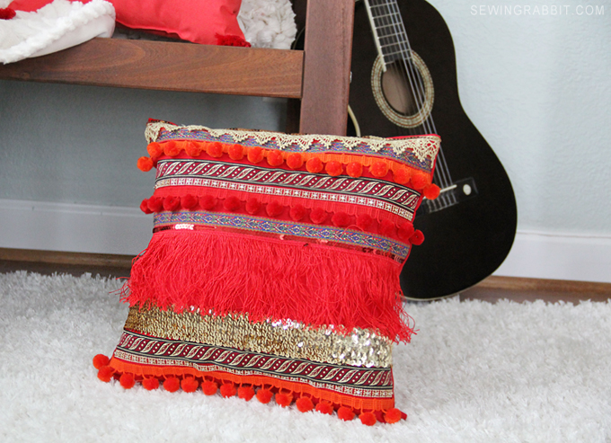 How to make an easy DIY Fringe and Pom Pom Pillow