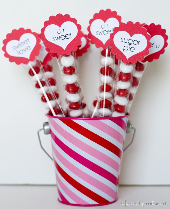 Valentine's Day Treat Bags with FREE Printable from Infarrantly Creative