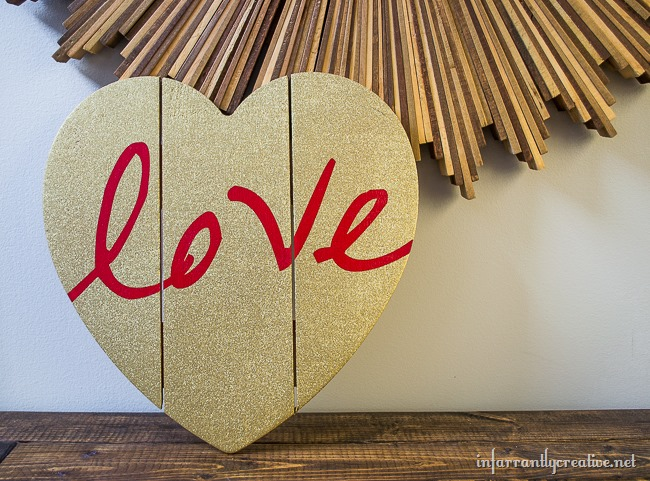 """Love"" DIY Valentine's Day Pallet Craft"
