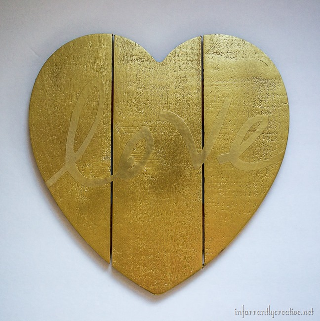 Gold Spray Paint DIY Rustic Wood Heart Pallet Craft for Valentine's Day