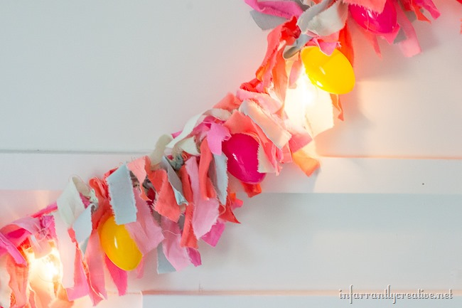 DIY Easter Rag Garland WITH LIGHTS!! // Cute Easter Decor