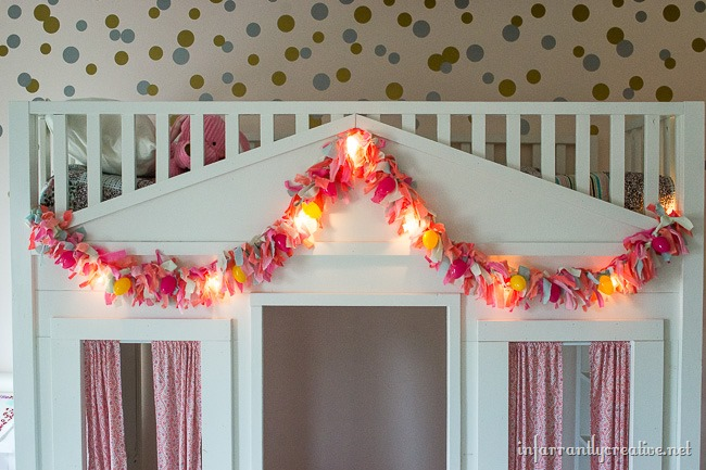 DIY Easter Rag Garland with Lights // Pretty and EASY DIY Easter Decor