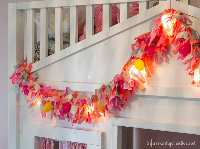 DIY Easter Rag Garland // Make your own lighted DIY Garland
