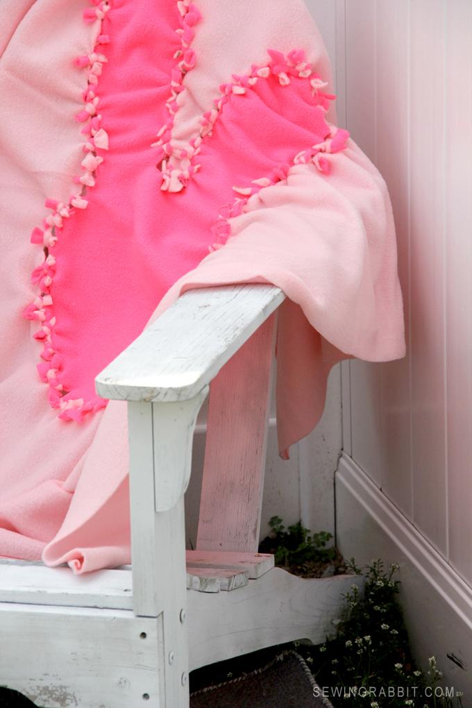 DIY Easter Bunny No-Sew Blanket