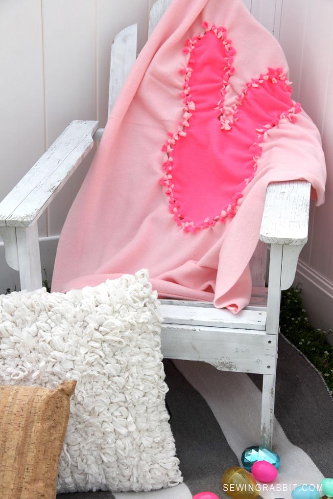 Super Cute DIY Bunny Blanket // Easter DIY Idea