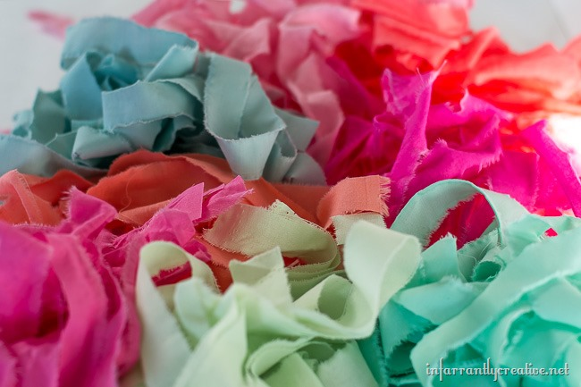 DIY Easter Decor // DIY Easter Rag Garland