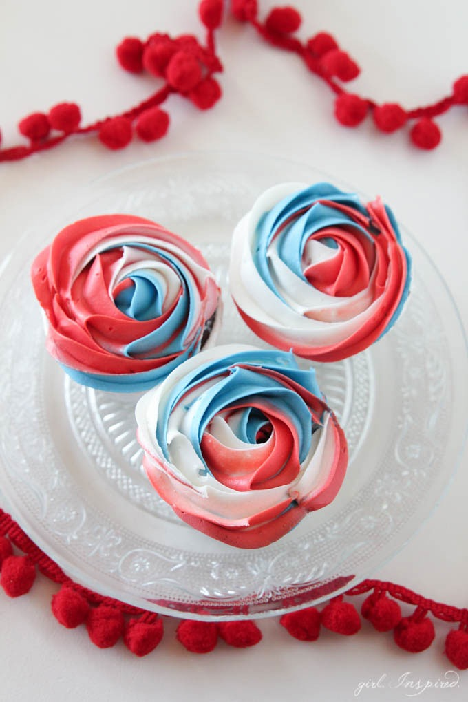 Patriotic Cupcakes // Red, White and Blue Cupcakes // Treats Perfect for your Memorial Day or Fourth of July Celebrations