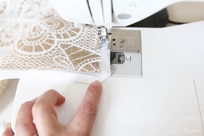 DIY Burlap Placemats // Home Entertaining DIY Project for Place Settings // JOANN IdeaMarket