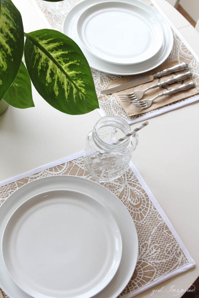 DIY Burlap Placemats // Home Entertaining DIY Project for Place Settings // Jo-Ann IdeaMarket