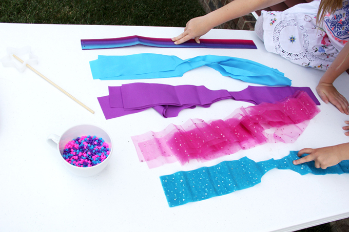Take time to create and make with your kids // Introducing the We Made It™ by Jennifer Garner Collection available exclusively at Jo-Ann // Kids DIY: Fairy Princess Costume
