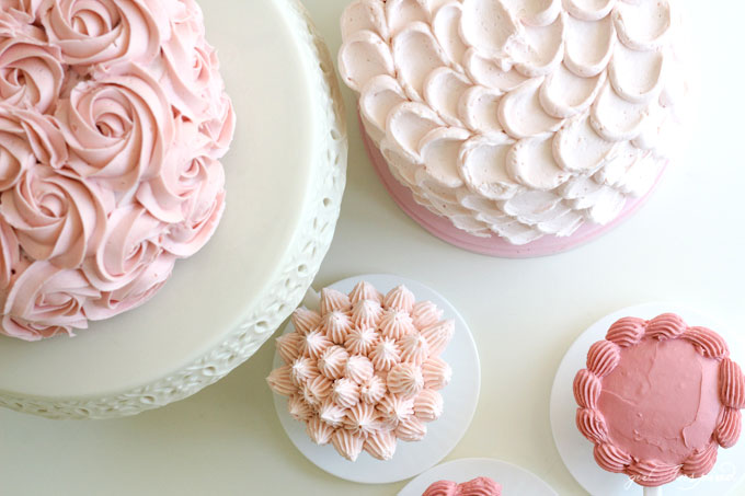 Simple and Pink Techniques to Decorate Cakes and Cupcakes