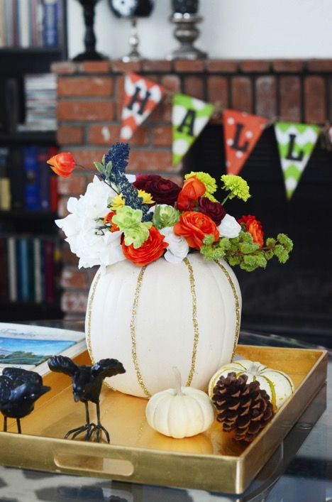Easy DIY Pumpkin Vase Table Centerpiece