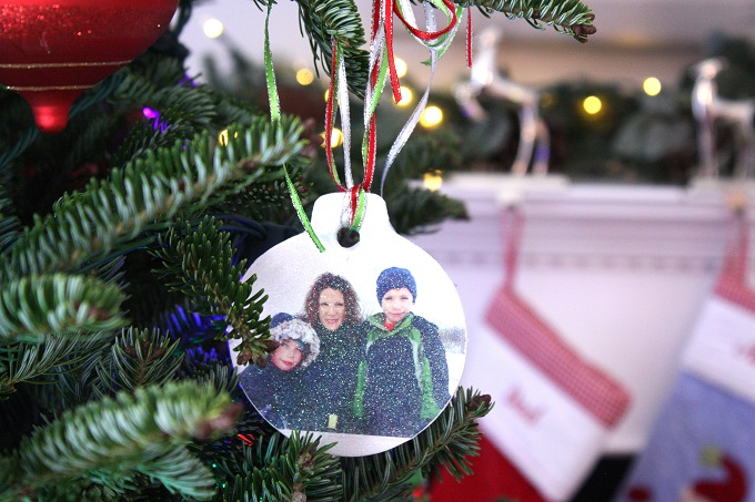 Easy Photo Transfer Christmas Ornaments