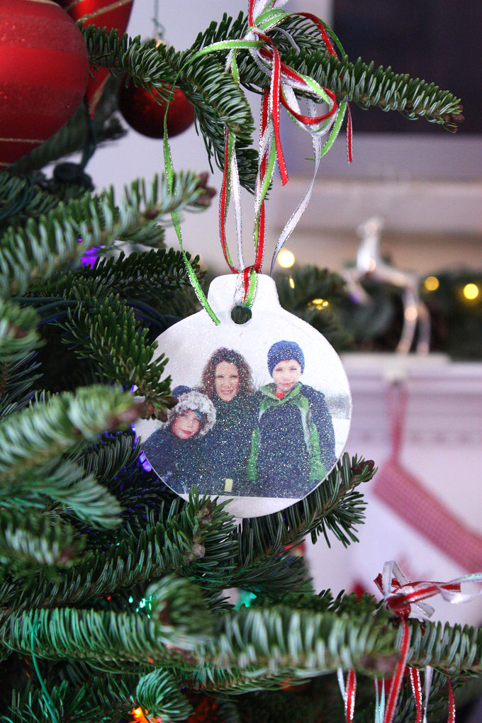 3-Photo-Transfer-Christmas-Ornament-Kim-Byers-9278-680