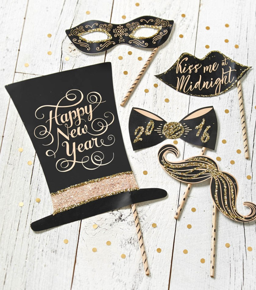 Easy Ways to Glam Up Your New Year's Eve