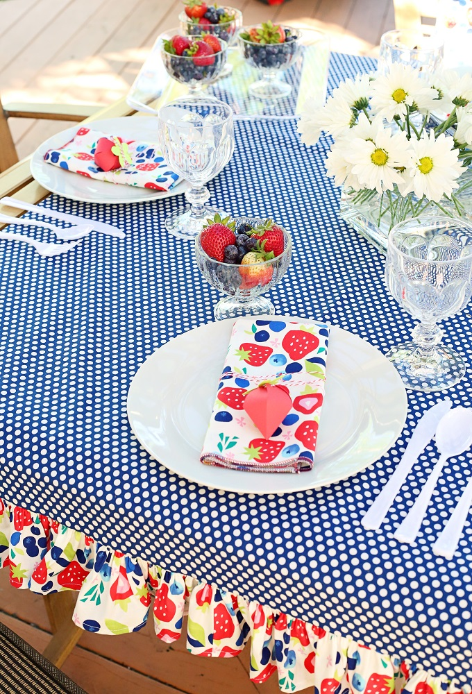 Summer Entertaining – Easy Sew Strawberry and Polka Dot Ruffle Tablecloth and More