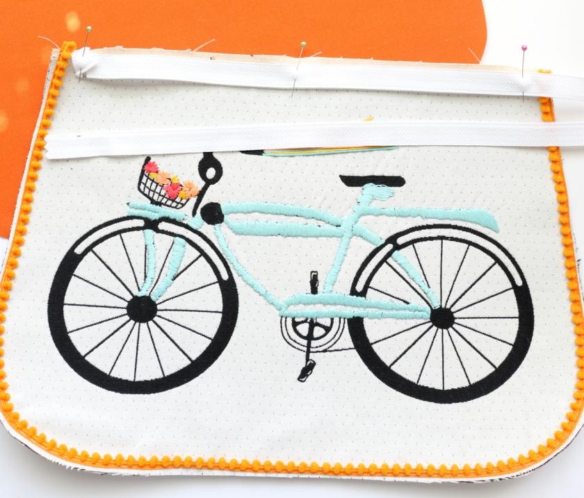 Pom Pom Bike Clutch