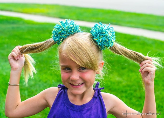 DIY Pom Pom Hair Ties