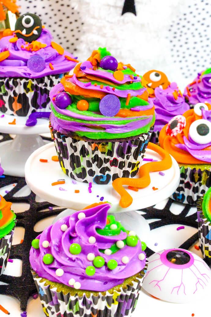 DIY Halloween Surprise Cupcakes