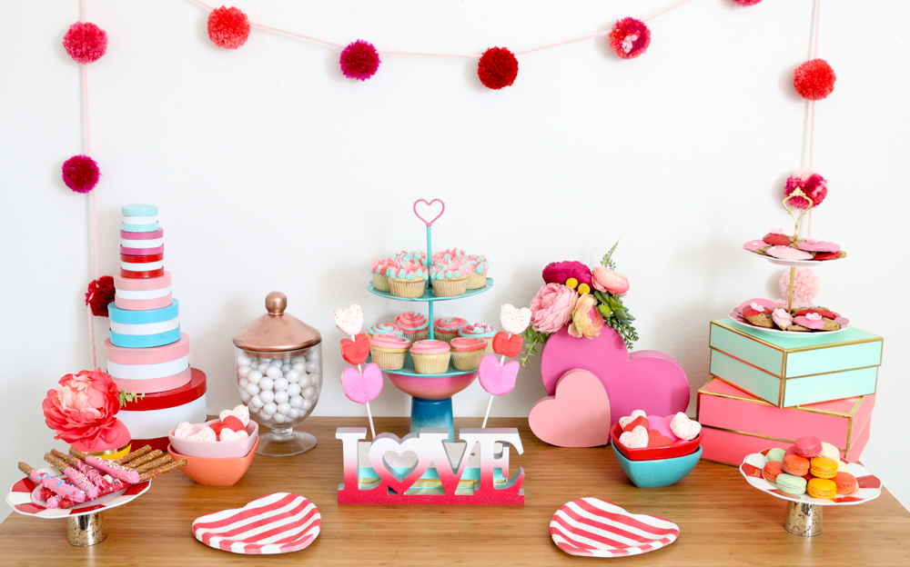 Celebrate Valentine's Day with this DIY Dessert Table
