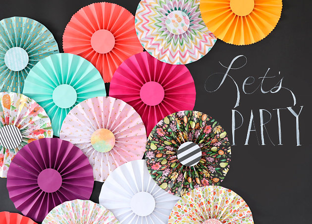 How to Make Paper Rosettes Backdrop