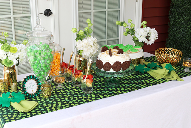 Celebrate St. Patrick's Day with an Easy DIY Tablescape