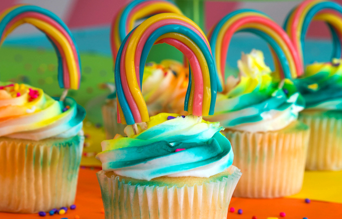 Make These Sweet Rainbow Treats for St. Patrick's Day