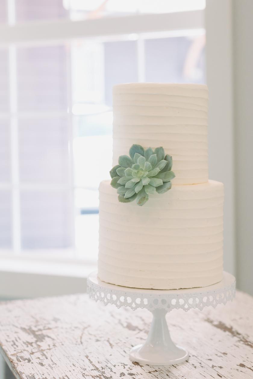 bridal dessert table