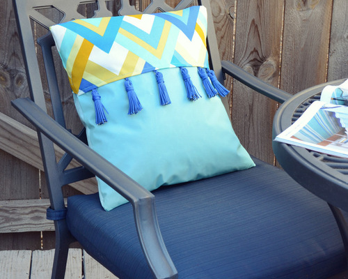 Add a Pop of Color to Your Patio With a DIY Tassel Pillow