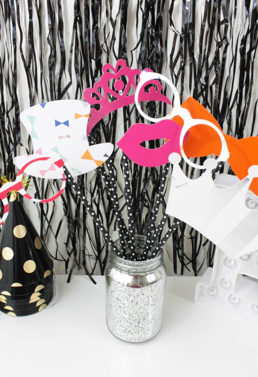 paper plate props