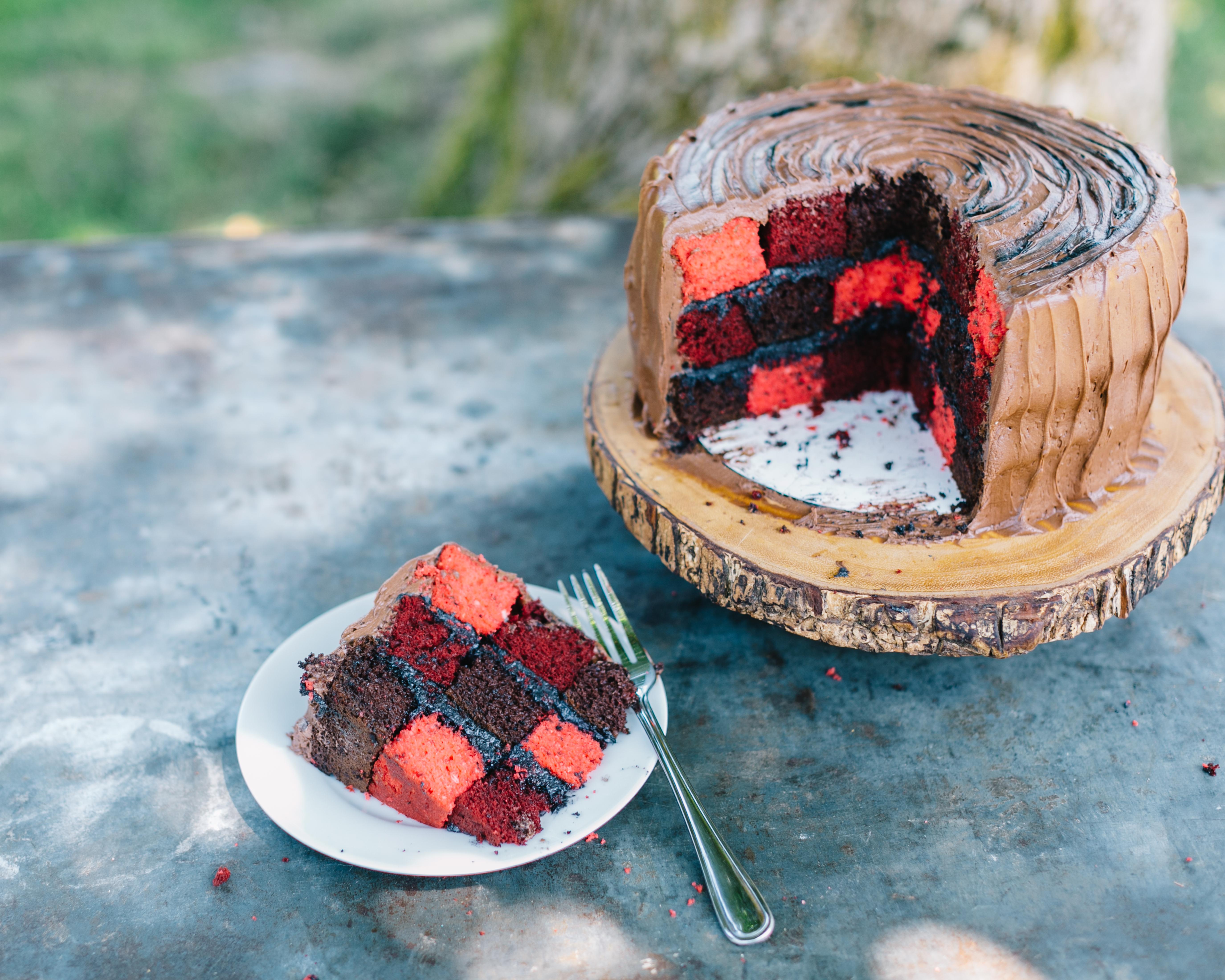 How to Make a Lumberjack Stump Cake