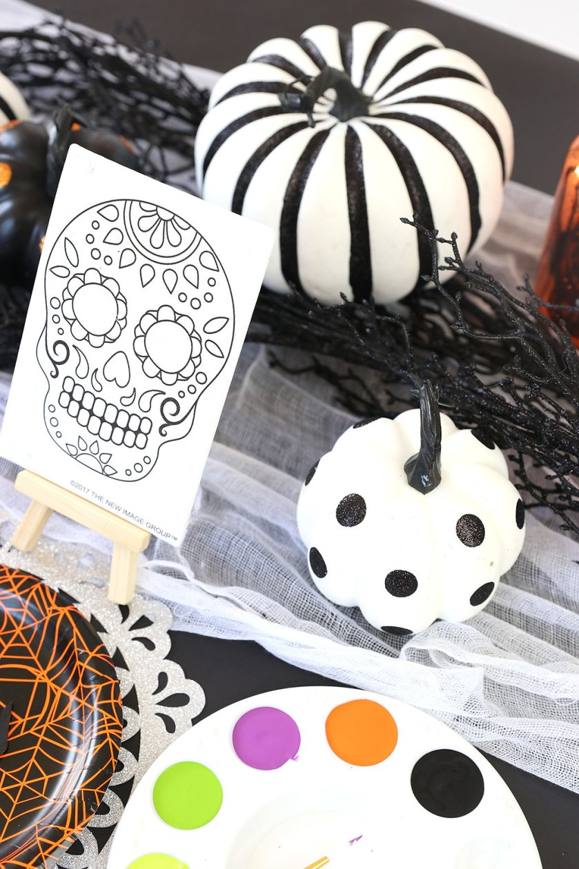 kids halloween tablescape