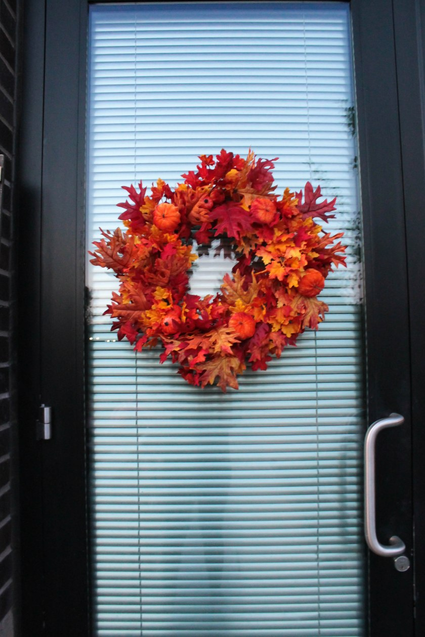 Festive Fall Porch Decorations (11)