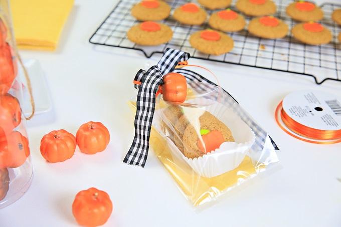 2-Pumpkin-Cookie-Gift-Bags-Kim-Byers-0097-680[1]