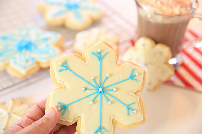 3-Snowflake-Cookie-Decorating-Kim-Byers-108680