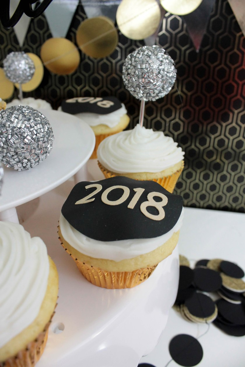 New Year's Eve Cupcakes (16)