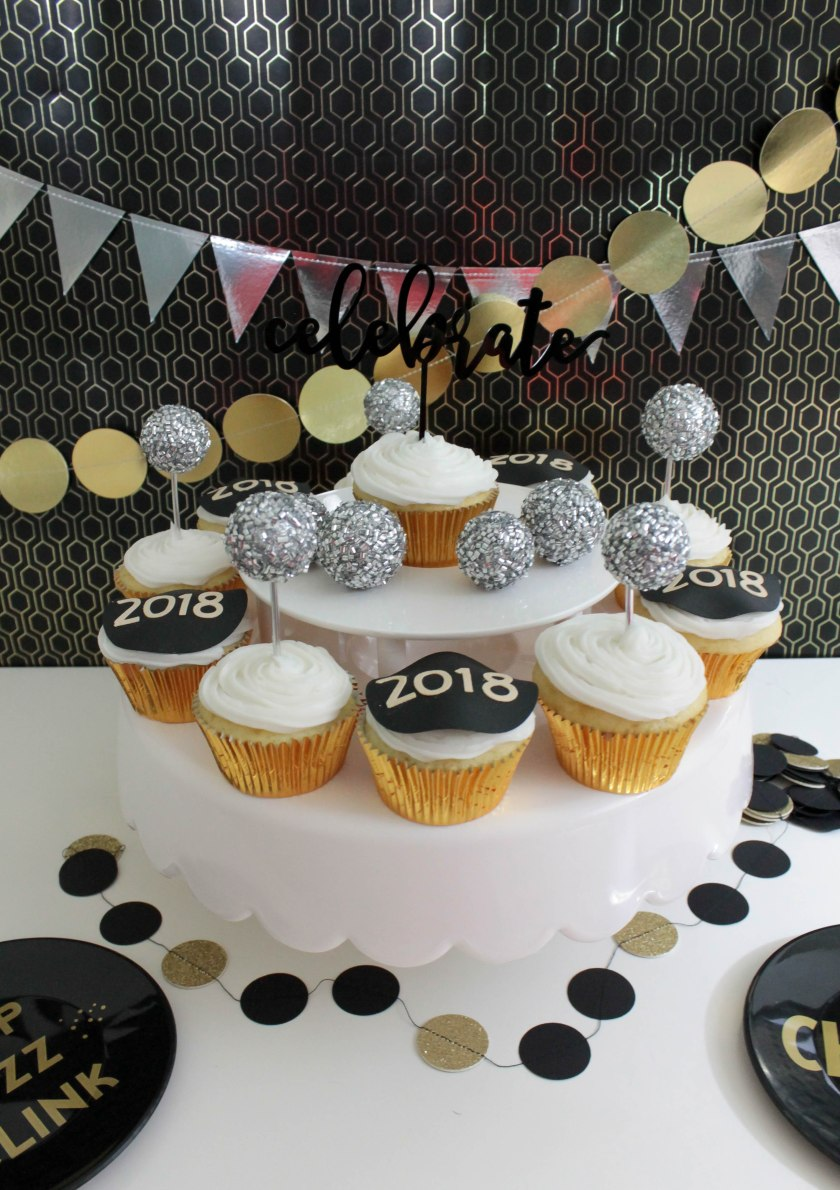 New Year's Eve Cupcakes (20)